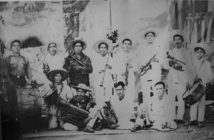 La primera Banda Morelos de Carácuaro, ahora conocida como Banda Río verde